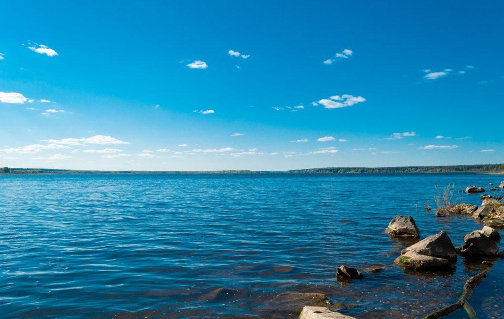 Les filtres automatiques Hectron pour la filtration des eaux de lac ou de rivière